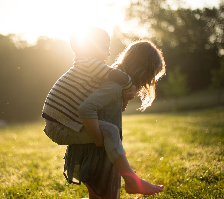 Ποιος παραλαμβάνει το παιδί αν χωρίσουν οι γονείς;